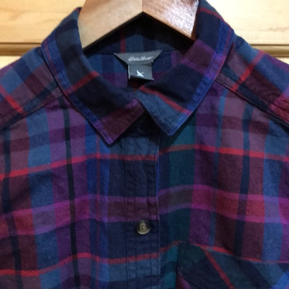 Vintage Eddie Bauer Petite Long Sleeve Green Purple Cozy Button Down Flannel Top